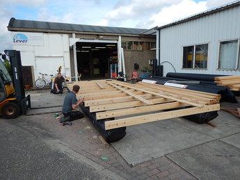 Opbouw pontonboot dek