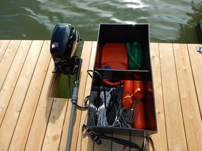 Dekkist pontonboot